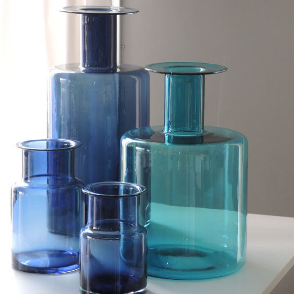vase bleu turquoise en verre souffl bouche 20cm bruno evrard. Black Bedroom Furniture Sets. Home Design Ideas